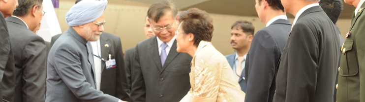 Arrival of Prime Minister Dr. Manmohan Singh at Don Muang Airport on May 30, 2013.