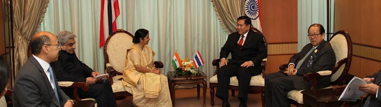 EAM Sushma Swaraj meets Gen. Tanasak Patimapragorn, Dy. PM and Foreign Minister Thailand on 29 June, 2015