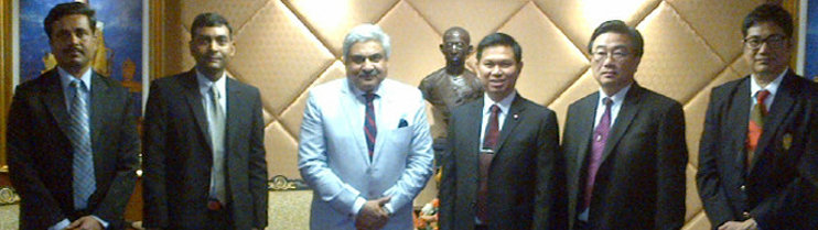 Ambassador Anil Wadhwa's Call on H.E. Mr. Woravat Auapinyakul, Minister of Science and Technology of Thailand on 16 May 2013