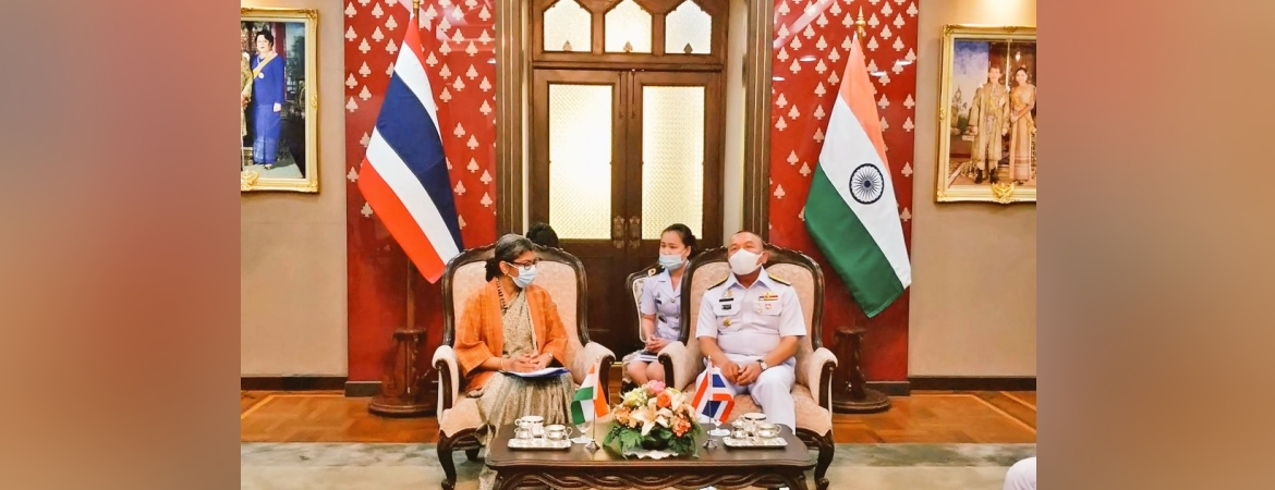 Ambassador Suchitra Durai calls on Admiral Chatchai Srivorakan, Commander-in-Chief of the Royal Thai Navy on 11 January 2021
