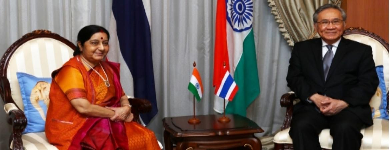 HE Sushma Swaraj, EAM meets HE Don Pramudwinai, Foreign Minister Thailand in Bangkok on 4 Jan 17