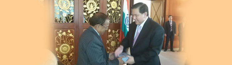Sh. Ajit Doval, NSA India with Deputy Prime Minister & Foreign Minister HE Gen Tanasak Patimapragorn on 1 April, 2015 in Bangkok