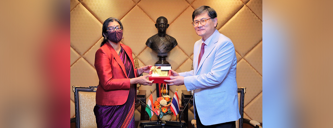 Ambassador Suchitra Durai called on H.E Prof Dr Anek Laothamatas, Minister of Higher Education, Science, Research & Innovation on 1 February 2021.